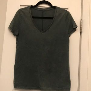 BDG Urban V-neck T-shirt